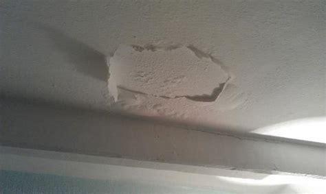 Peeling Paint On Ceiling by Paint Peeling Ceiling