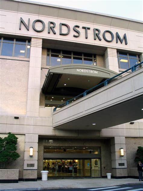 Nordstrom Rack Virginia Locations by Nordstrom To Open Rack Store In Union Square S Former Megastore Antonio Valente