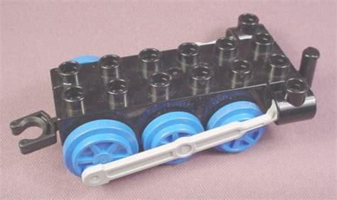 Wheels X Trayn Green lego duplo 4580 black 2x6 base with blue wheels