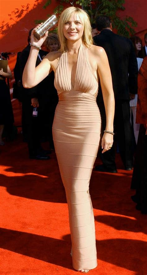 actress samantha actual height sex bomb kim cattrall turns 59 here are 11 things you