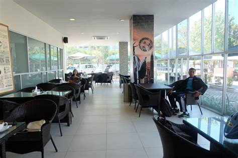 buro bar surabaya one dollar cafe makan keliling