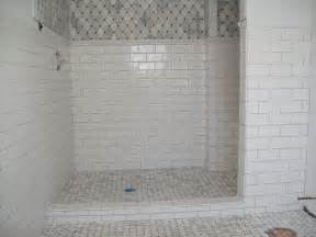 dusche bodengleich fliesen marble tile shower floor with ceramic subway tile on the