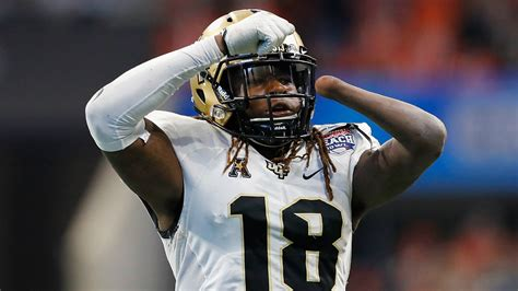 most bench press nfl combine shaquem griffin dominates bench press at nfl combine with