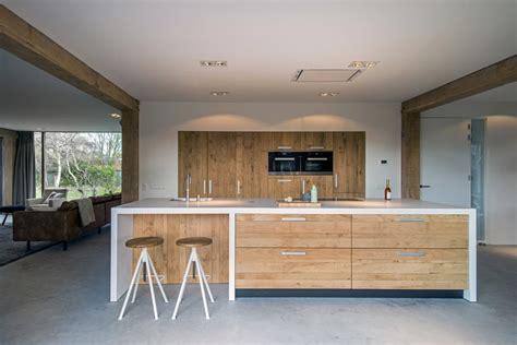 houten keuken met wit blad moderne ruw eiken houten keukens met wit keukenblad