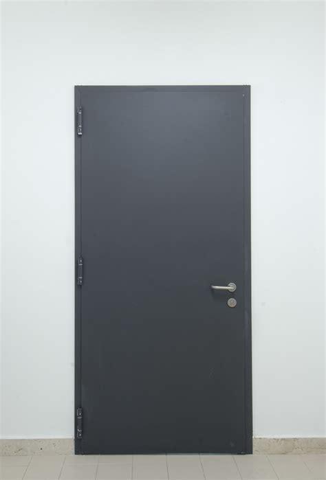 porte tagliafuoco ninz aperture italia catania infissi e serramenti porte
