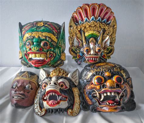 Masker Java 5 houten maskers 4 x barong 1 x topeng bali java