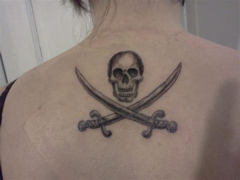 pirate flag tattoo 25 best ideas about pirate flag on