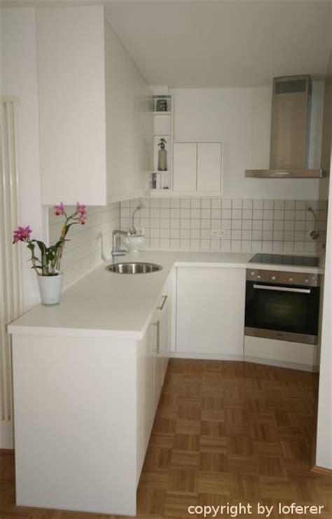 küchenblock weiß hochglanz wohnzimmer schrankwand schwarz