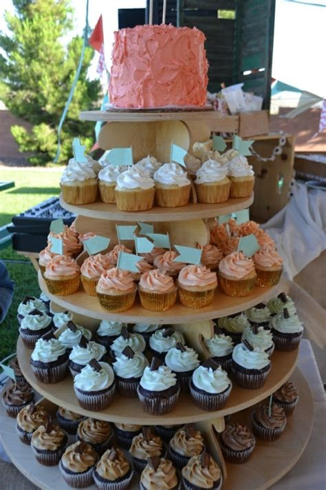 etagere cupcake 100 ideen f 252 r diy tortenst 228 nder f 252 r ihr einmaliges