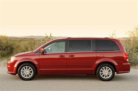 service and repair manuals 2011 dodge grand caravan security system service manual review 2011 dodge grand caravan photo gallery autoblog 2011 dodge grand
