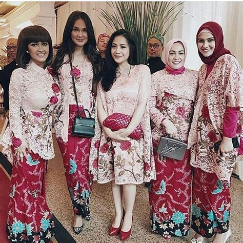 Parang Cape Maxi Dress Batik model kebaya rok batik blouse broklat kebaya artis nagita