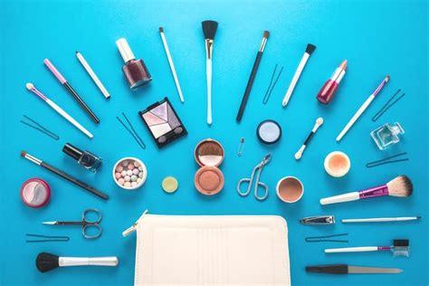 Produk Make Up Ysl kapan waktu yang tepat untuk membuang produk make up yang