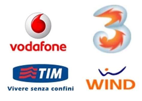 offerte gestori telefonia mobile telefonia l antitrust sospende gli aumenti in bolletta