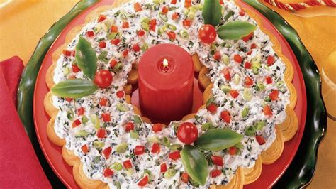 spinach dip crescent wreath recipe from pillsbury com