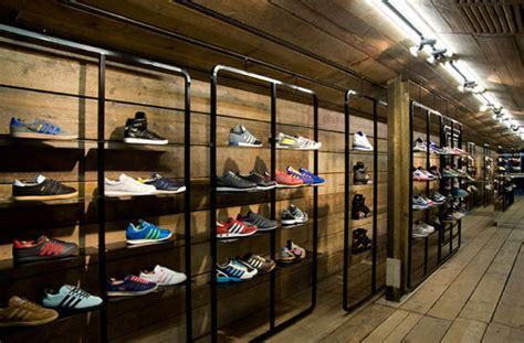 best athletic shoe store footwear industry statistics