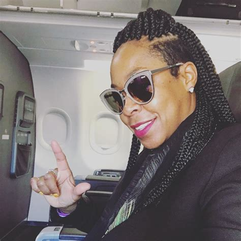 Tichina Arnold Hairstyles by Tichina Arnold Gets Box Braids For Island Vacation
