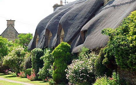 cottages in chipping cden the domestic curator the cotswolds storybook