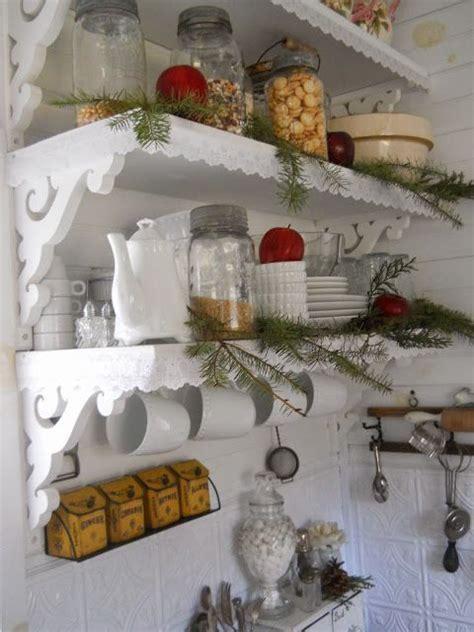 mensole shabby mensole decorate per un natale shabby chic foto