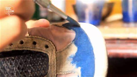 Cat Ulang Sepatu Kanvas repaint shoes by soc clean cat ulang sepatu menggunakan