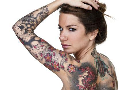es wird dezent das sind die neuen tattoo trends