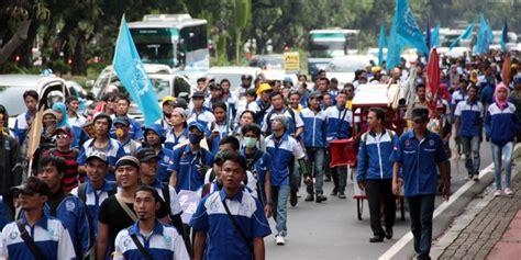 Sejarah Pergerakan Buruh Indonesia 1 organisasi buruh dan sejarah perjuangannya di indonesia merdeka