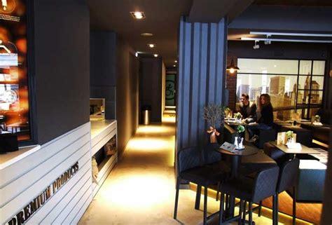 contoh desain cafe outdoor desain cafe outdoor joy studio design gallery best design