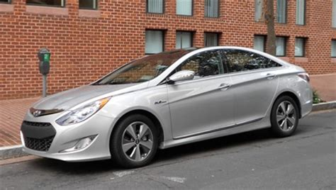 2011 hyundai sonata hybrid road test review car and driver test drive 2011 hyundai sonata hybrid u s news world report