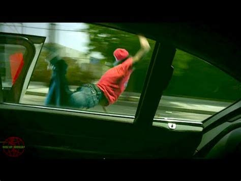 Fan Jumps Into Car by Jumps Into Moving Car Through Window Doovi
