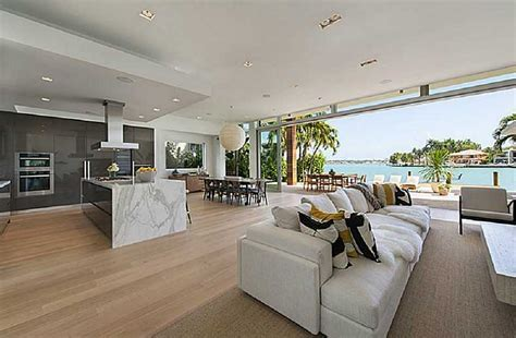 Newly Built Modern Waterfront Home In Miami Beach, FL