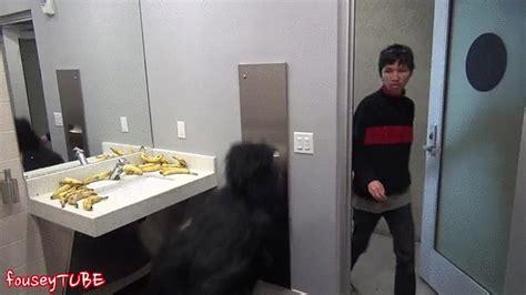 camera in bathroom porn banyoya ve tuvalete girmiş insanlara yapılmış tek