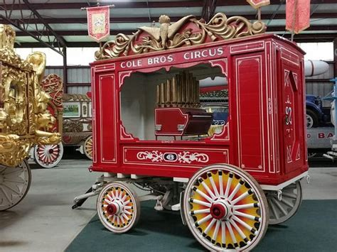 Restored Barns Restored Circus Wagon Picture Of Circus World Baraboo