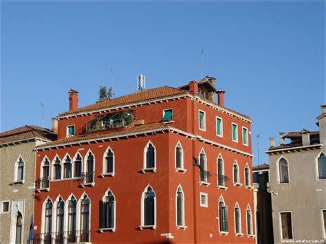 casa venezia cty 16 02 07 un carnevale di colori a venezia