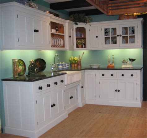 shaker style kitchen cabinet there and back with kitchen cabinets