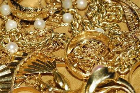 Gold Jewellery by Jewelry News Network Global Slump In Gold Jewelry Demand