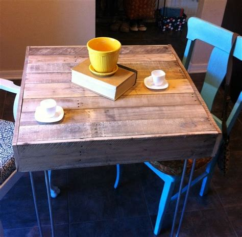 pallet kitchen table dining table how to make a pallet dining table