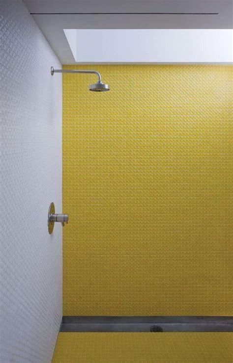 gelbe fliesen badezimmer badezimmer fliesen gelb badezimmer fliesen
