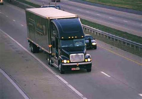 semi truck highway truck accident lawyer news