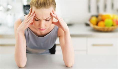 fegato e mal di testa combattere il mal di testa con la riflessologia plantare
