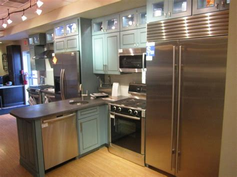 Ferguson Plumbing Supply Showroom by Ferguson Showroom Wilmington De Supplying Kitchen And