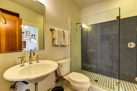 hgtv bathroom designs small bathrooms small bathrooms hgtv