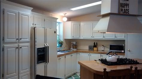 how do i paint my kitchen cabinets white how to paint oak kitchen cabinets white my 150 kitchen