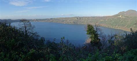 La Lago Castel Gandolfo by Lago Albano