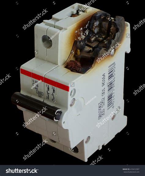 electrical circuit broken power