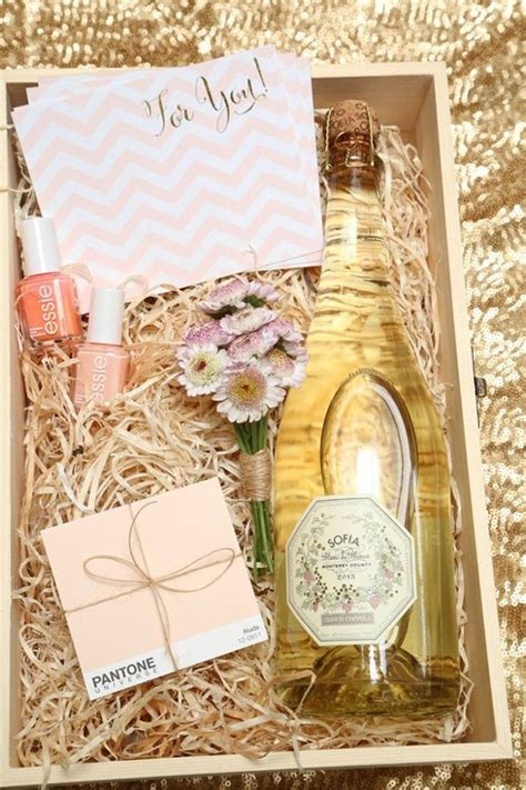 Wedding Gift Ideas From Bridesmaid by Top 10 Bridesmaid Gifts Ideas They Ll