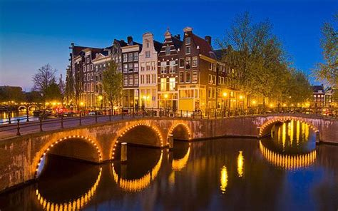 best budget hotel in amsterdam amsterdam on a budget the best cheap hotels and