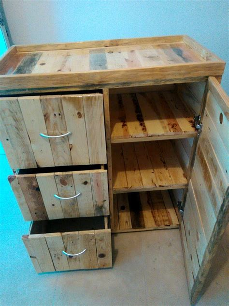 17 Best Ideas About Wooden Pallet Furniture On Pallet Furniture Wood Bench Designs
