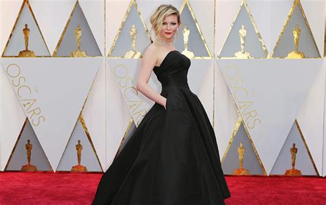 Karpet Oscar gaya kirsten dunst oscars 2017 karpet merah foto