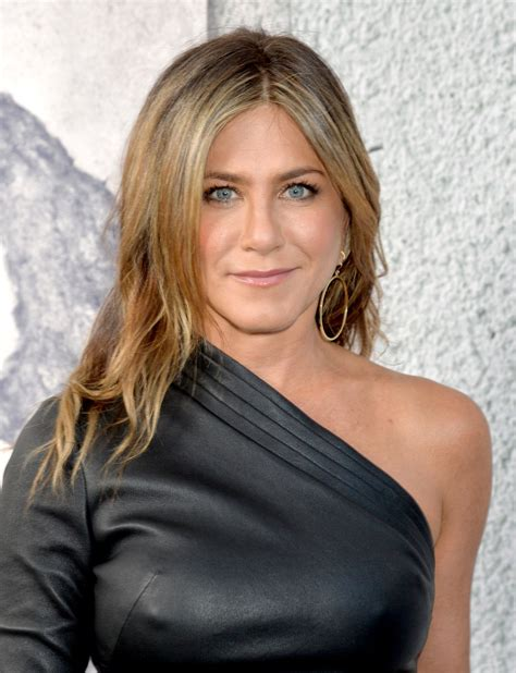 Aniston A by Aniston At The Leftovers Season 3 Premiere In