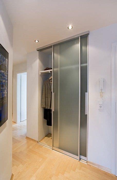 preiswertes badezimmer das ideen umgestaltet die besten 25 schrank tapete ideen auf