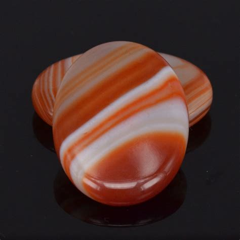 25x35MM 2Pcs Natural Red Agate Oval Palm Stone Feng Shui